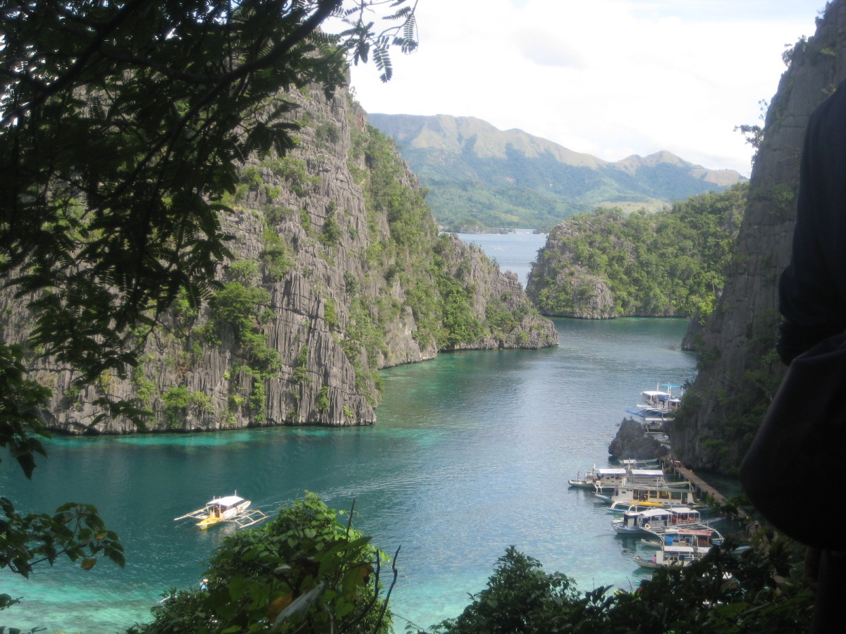 KAYANGAN LAKE AND TWIN LAGOONS: CORON PHILIPPINES