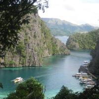 KAYANGAN LAKE AND TWIN LAGOONS: CORON PHILIPPINES