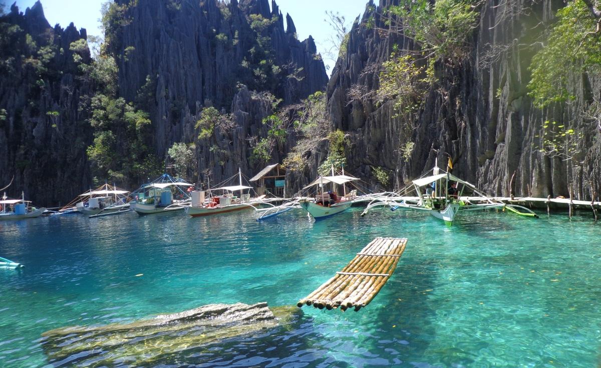 CORON, PALAWAN: PHILIPPINES